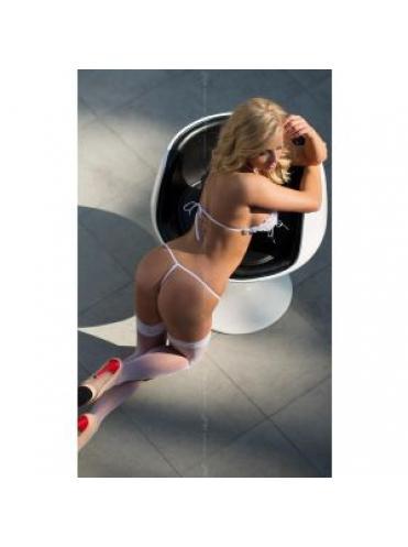 Эротический кружевной комплект Sissi: бюстгальтер и трусики с разрезами