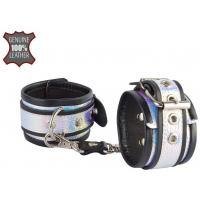 Черные наручники с голографическими вставками на регулируемых ремешках