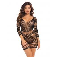 Соблазнительное мини-платье с геометрическим орнаментом