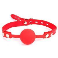 Красный силиконовый кляп-шарик на регулируемом ремешке