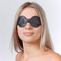 Чёрная кожаная маска на глаза для эротических игр