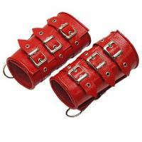 Красные кожаные манжеты